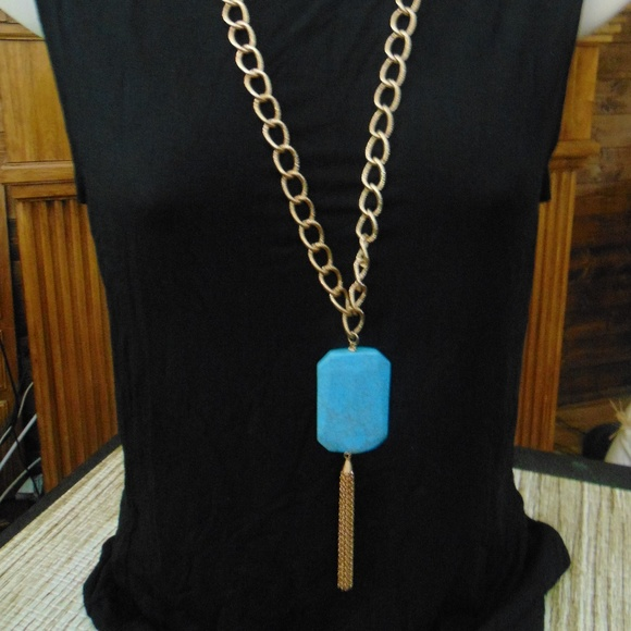 Jewelry - Faux Turquoise Statement Necklace